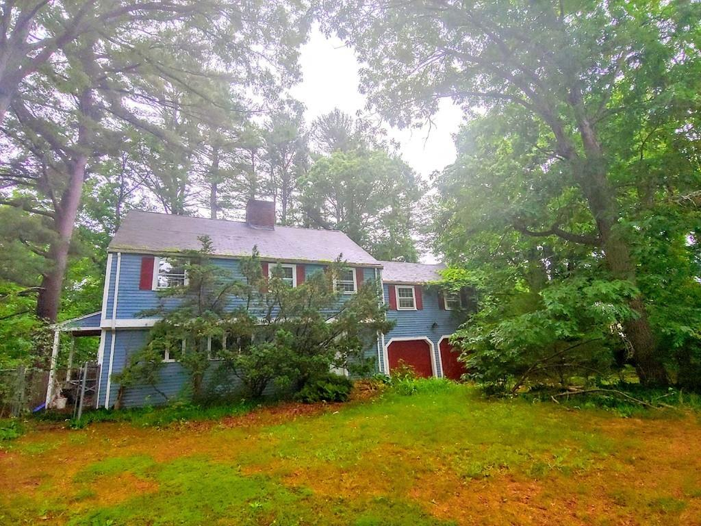 Photo for 28 Hallet Hill, Weston, MA 02493 (MLS # 72535153)