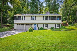 Photo of 166 Perkins Row, Topsfield, MA 01983 (MLS # 72599708)