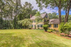 Photo of 101 Stagecoach Rd, Lancaster, MA 01523 (MLS # 72610311)