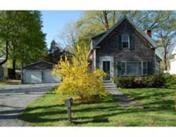 Photo of 7 West St, Middleboro, MA 02346 (MLS # 72648099)