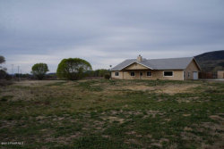 Photo of 2410 S Peavine Road, Skull Valley, AZ 86338 (MLS # 985513)