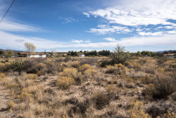 Photo of 12505 W Windmill Road, Skull Valley, AZ 86338 (MLS # 1007865)