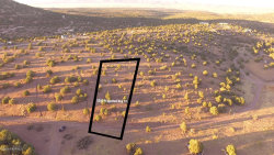 Photo of 5200 N Spotted Dog Trail, Chino Valley, AZ 86323 (MLS # 1015716)
