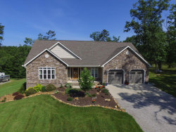 Photo of 424 Crestwood Drive, Jamestown, TN 38556 (MLS # 1006169)
