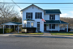 Photo of 310 W Spring St, Oliver Springs, TN 37840 (MLS # 1024635)