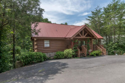 Photo of 2424 Cobbler Way, Pigeon Forge, TN 37863 (MLS # 1053567)