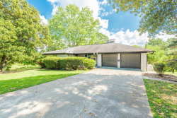 Photo of 804 Ne Woodview Drive, Knoxville, TN 37912 (MLS # 1056234)