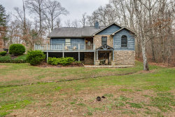 Photo of 690 Peachtree Drive, Crossville, TN 38555 (MLS # 1063168)