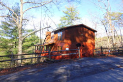Photo of 2820 Mountain View Circle, Sevierville, TN 37862 (MLS # 1067085)
