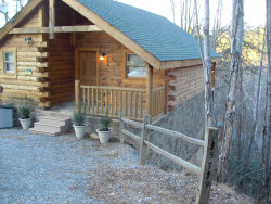 Photo of 1579 Sky View Drive, Sevierville, TN 37876 (MLS # 1067179)