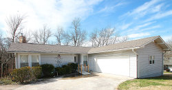 Photo of 422 Lakeview Drive, Crossville, TN 38558 (MLS # 1069632)