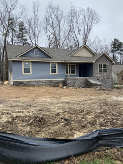 Photo of 447 Spruce Loop, Crossville, TN 38555 (MLS # 1104157)