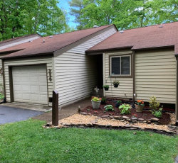 Photo of 350 Lake Catherine Circle, Crossville, TN 38558 (MLS # 1117836)