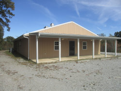 Photo of 618 E Central Ave, Jamestown, TN 38556 (MLS # 1060042)