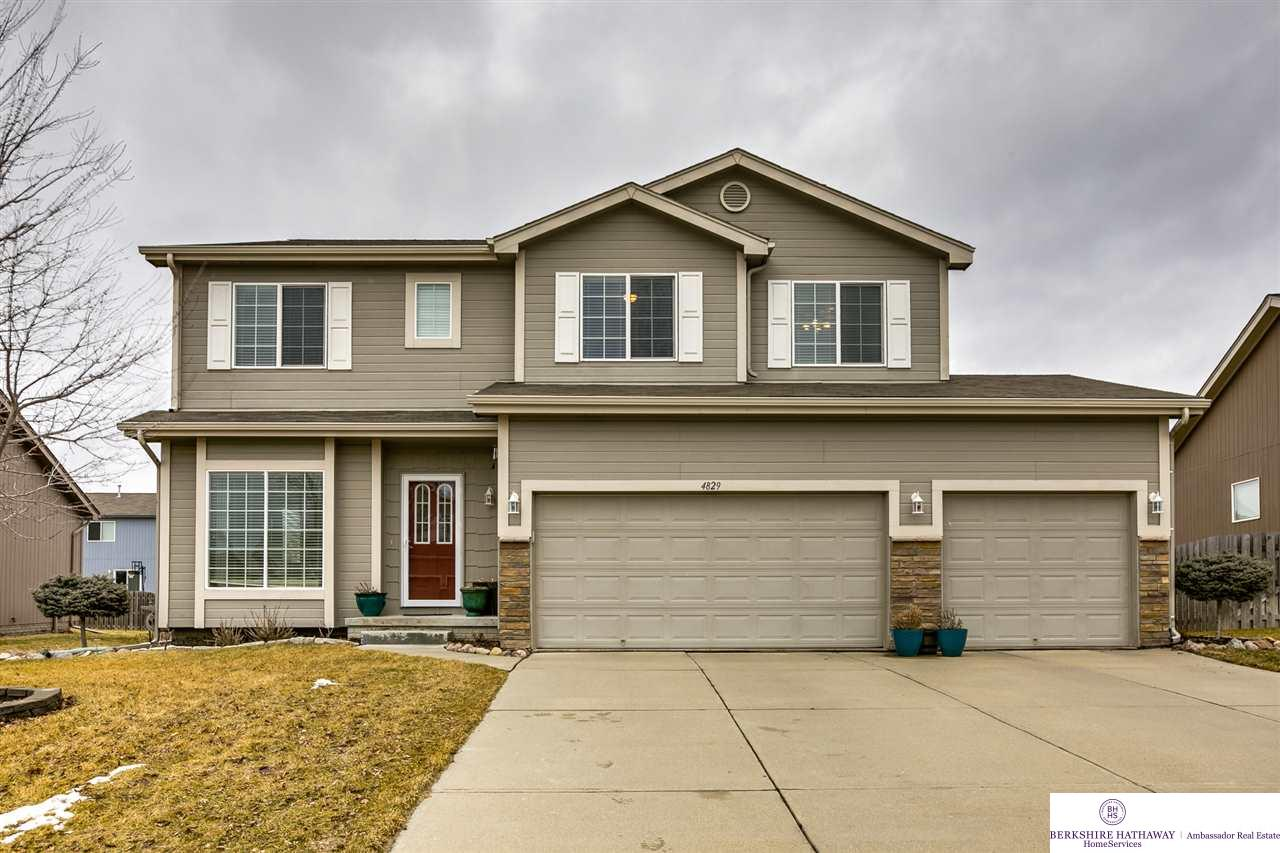 Photo for 4829 N 162 Avenue, Omaha, NE 68116 (MLS # 21903615)