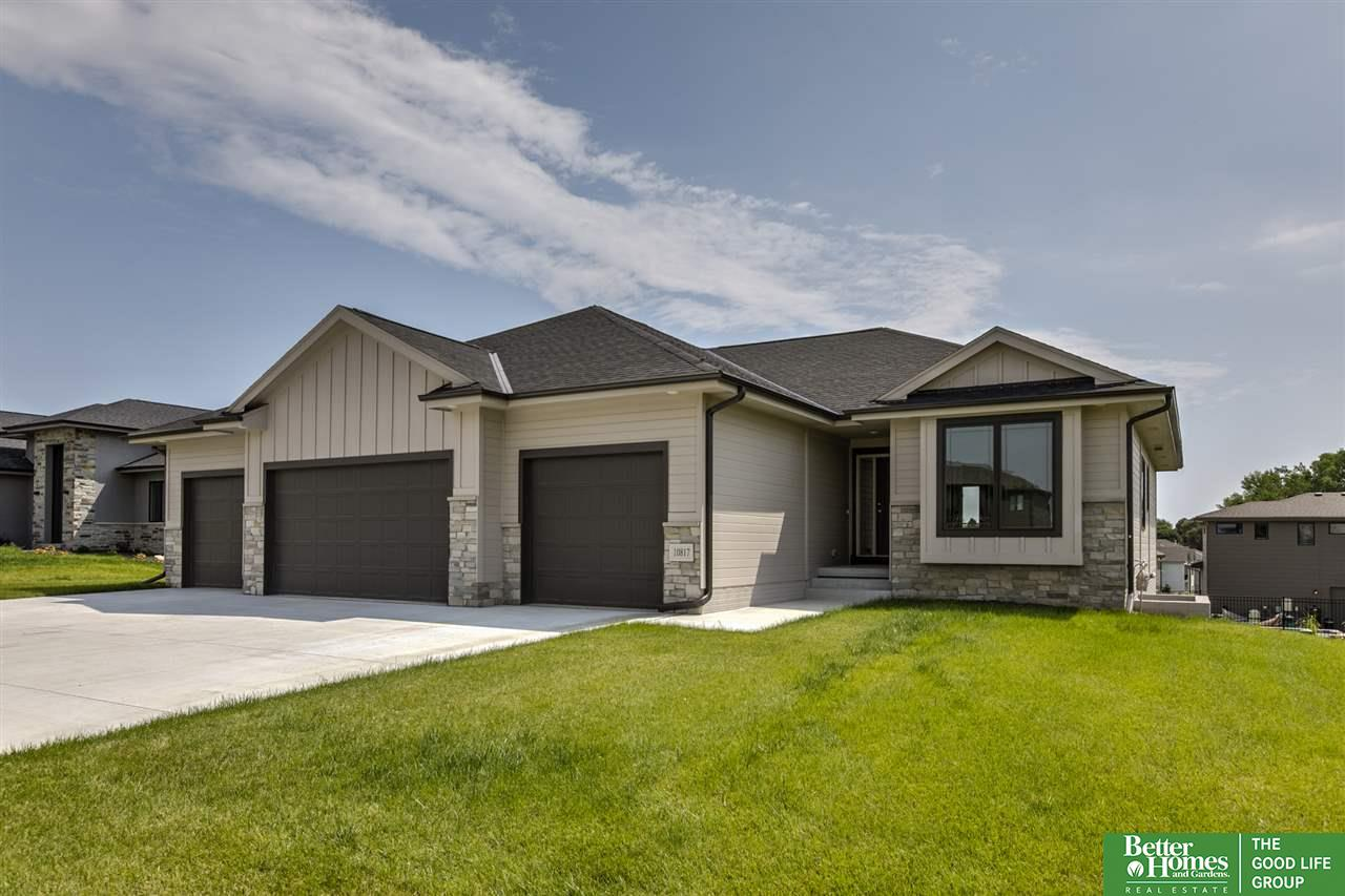 Photo for 10817 S 175 Avenue, Omaha, NE 68136 (MLS # 21918499)
