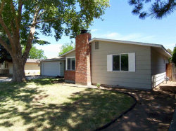 Photo of 1840 N Crestmont Drive, Meridian, ID 83646 (MLS # 98660343)