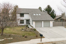 Photo of 2998 E Springwood Dr, Meridian, ID 83642 (MLS # 98678023)