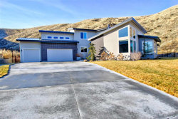 Photo of 2174 W Bent Bow Court, Boise, ID 83703 (MLS # 98680134)