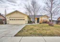 Photo of 1819 S Candlewood Dr, Nampa, ID 83686 (MLS # 98683058)