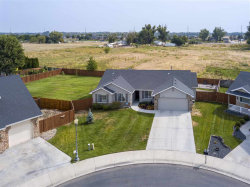 Photo of 226 N Baldy Place, Star, ID 83669 (MLS # 98706773)