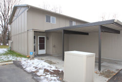 Photo of 320 N Eagle Glen Ln., Eagle, ID 83616 (MLS # 98714736)