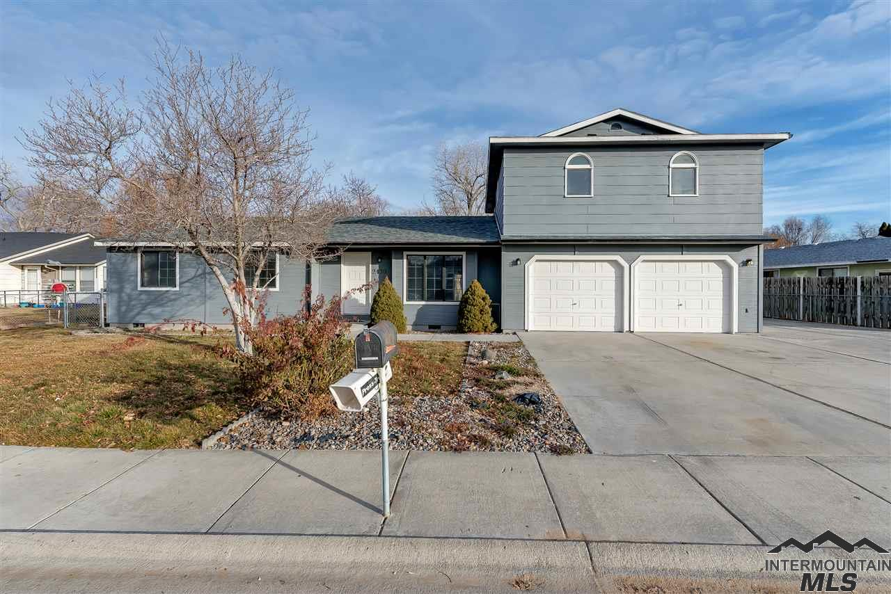 Photo for 2430 Hillcrest Way, Nampa, ID 83687 (MLS # 98716132)