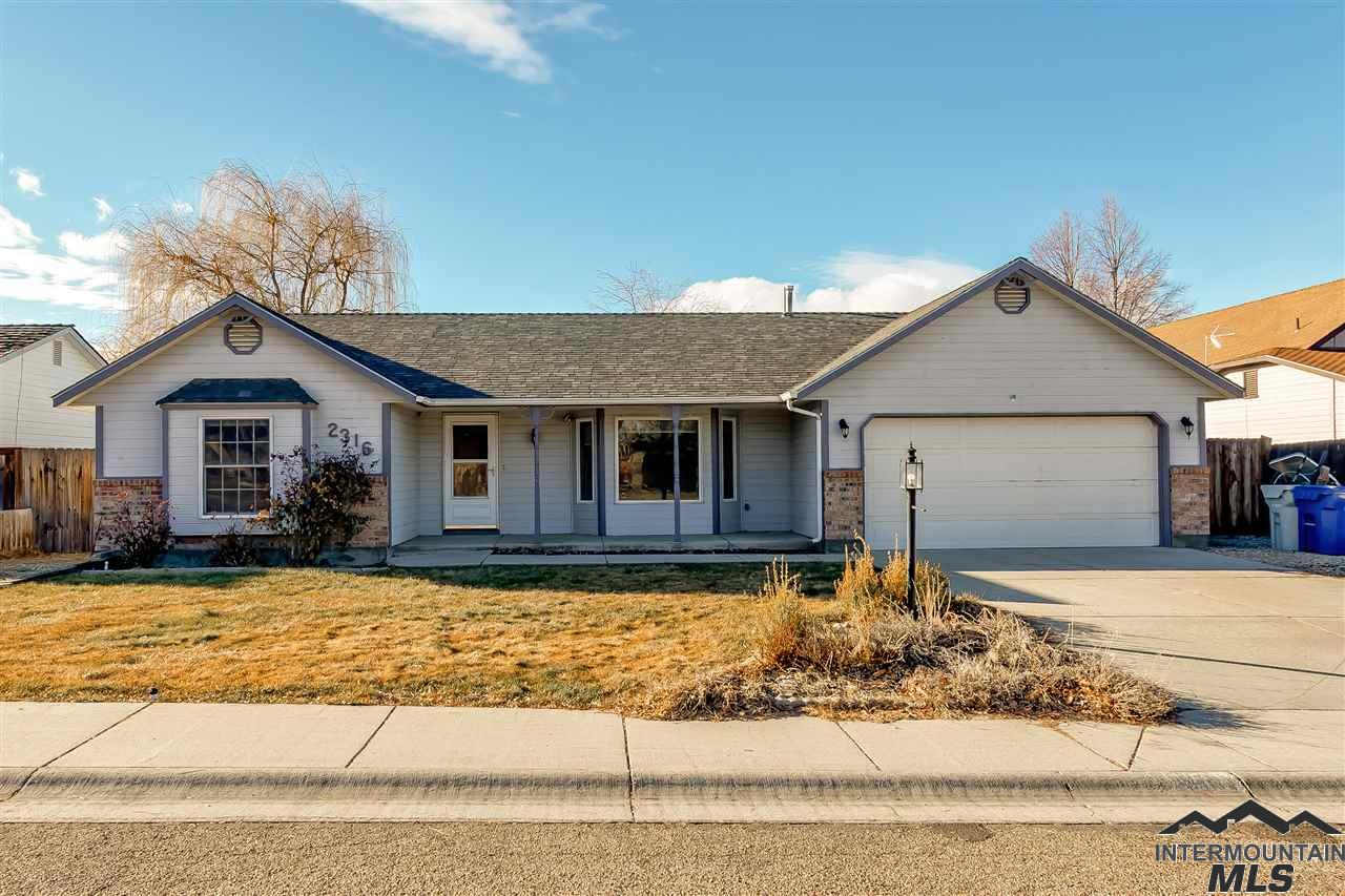 Photo for 2316 Meadow Ave, Caldwell, ID 83605 (MLS # 98716301)