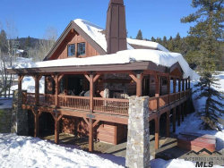 Photo of 18 Staircase Court, Donnelly, ID 83615 (MLS # 98718725)