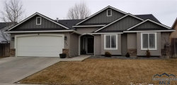 Photo of 584 E Chateau Dr, Meridian, ID 83646 (MLS # 98719360)