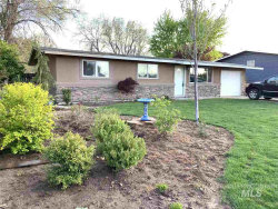 Photo of 909 W Roberts Ave, Nampa, ID 83651 (MLS # 98726137)
