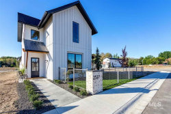 Photo of 2517 W Iron Coop St, Eagle, ID 83616 (MLS # 98746960)