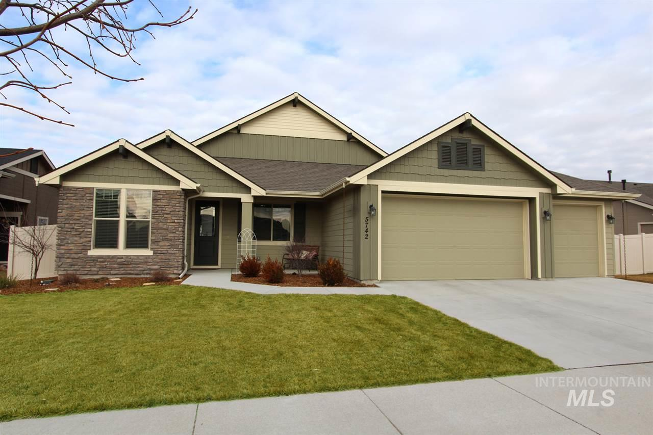 Photo for 5742 W Cavendale Drive, Eagle, ID 83616 (MLS # 98755331)