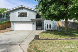 Photo of 2412 Brookside Dr, Caldwell, ID 83605 (MLS # 98755461)