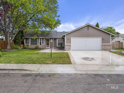 Photo of 418 N Crestview Place, Eagle, ID 83616 (MLS # 98767808)