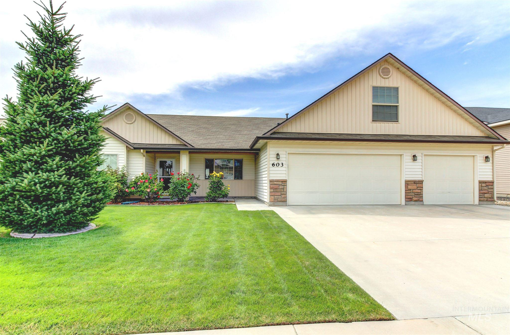 Photo for 603 Castle Rock Ave, Middleton, ID 83644 (MLS # 98775290)