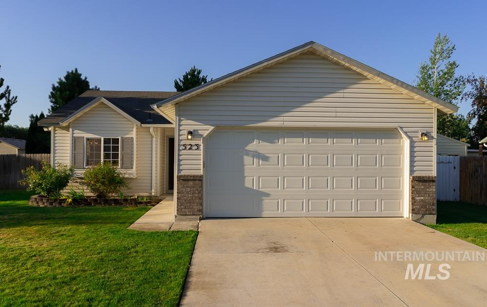 Photo for 523 W Halverson St., Middleton, ID 83644 (MLS # 98775621)