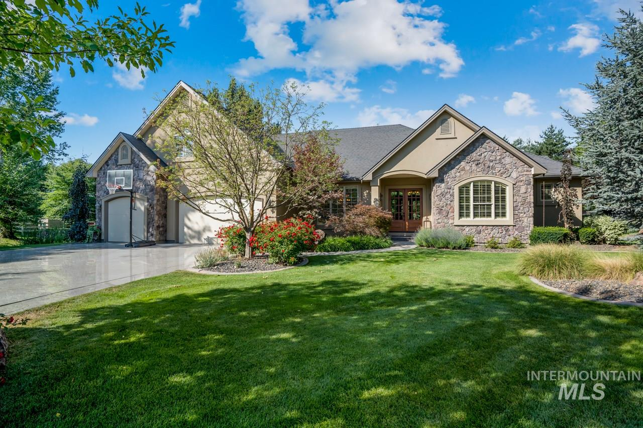 Photo for 873 N Woodvalley Place, Eagle, ID 83616 (MLS # 98775663)