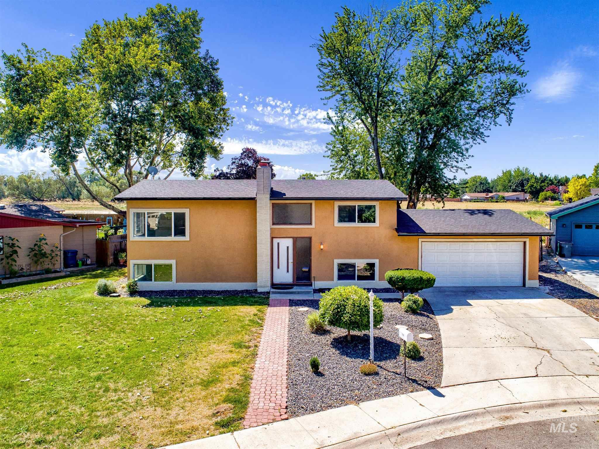 Photo for 7755 Bridlewood, Boise, ID 83704 (MLS # 98775764)