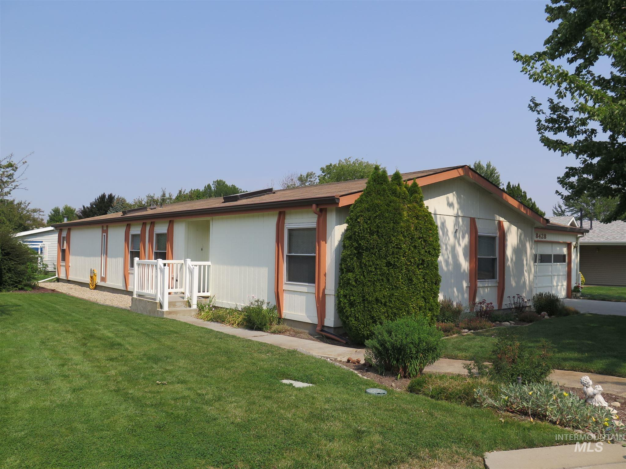 Photo for 8428 W Willowdale Dr, Garden City, ID 83714 (MLS # 98779234)