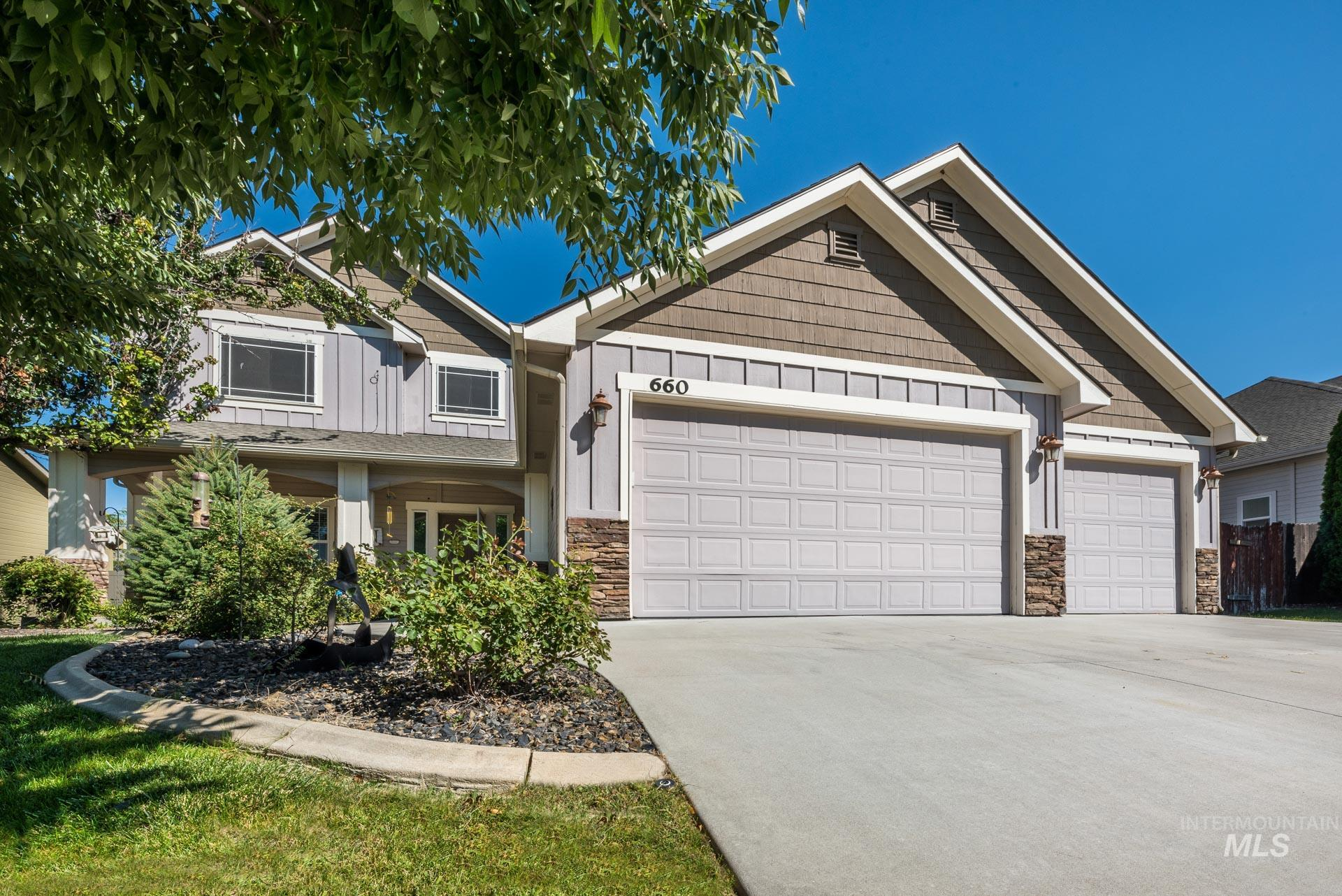Photo for 660 S Whitehorse Ave., Kuna, ID 83634 (MLS # 98779883)