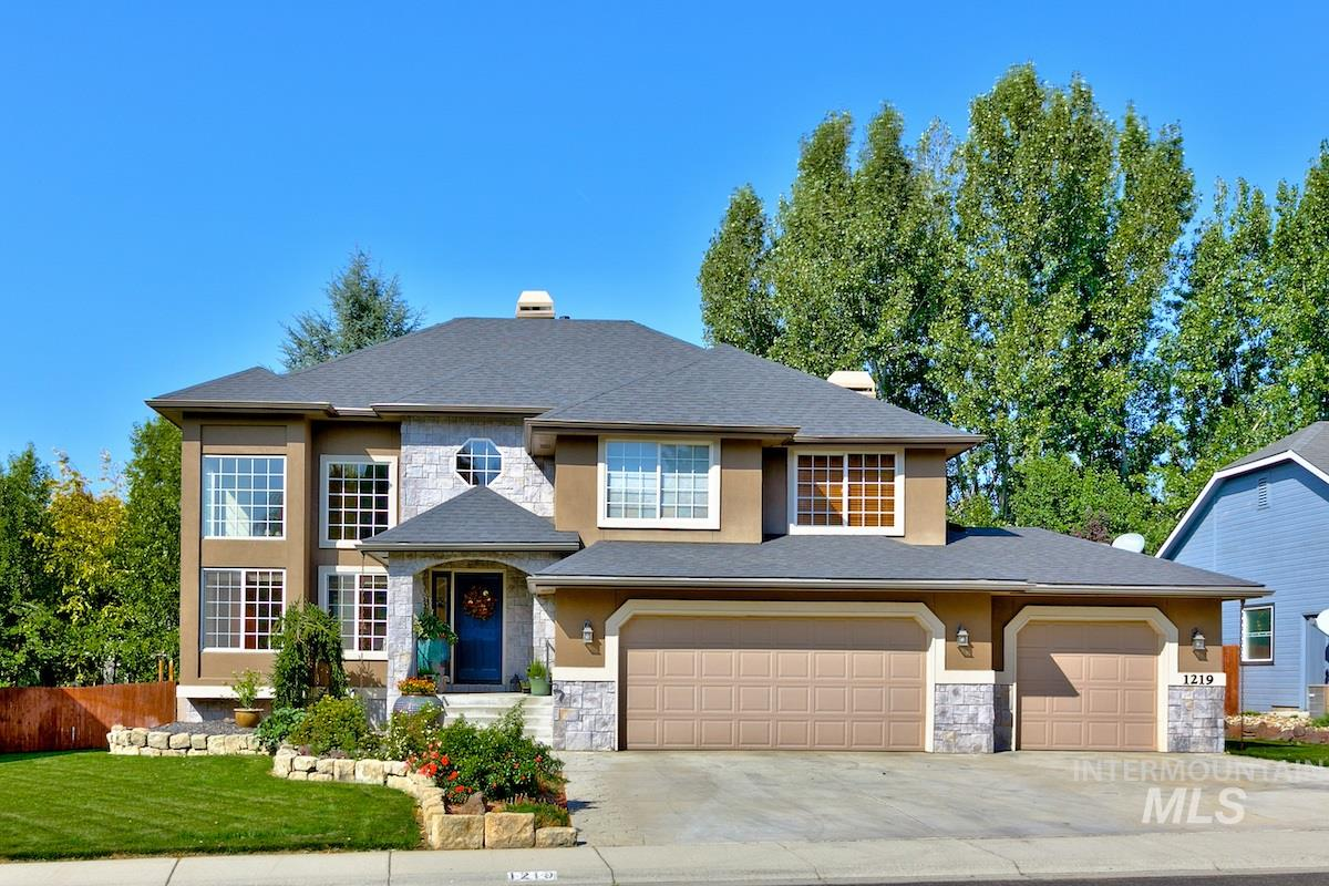 Photo for 1219 N Falling Water Way, Eagle, ID 83616 (MLS # 98780715)