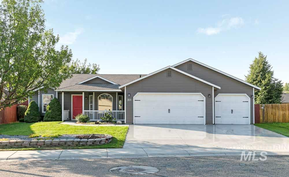 Photo for 311 E Bay Owl Dr, Kuna, ID 83634 (MLS # 98780823)