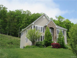 Photo of 17 Heather Ridge, Highland Mills, NY 10930 (MLS # 4613777)