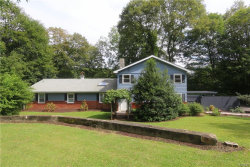 Photo of 392 Oscawana Lake Road, Putnam Valley, NY 10579 (MLS # 4732384)