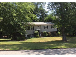 Photo of 1 Larch Court, Suffern, NY 10901 (MLS # 4733008)
