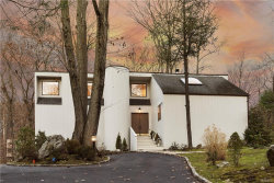 Photo of 2 Whippoorwill Close, Chappaqua, NY 10514 (MLS # 4803143)