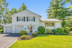 Photo of 6 Williamsburg Close, Scarsdale, NY 10583 (MLS # 4825978)