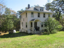 Photo of 104 Mamakating Road, Bloomingburg, NY 12721 (MLS # 4844362)