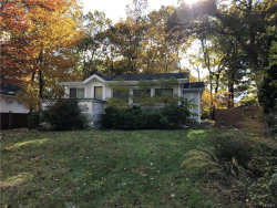 Photo of 14 Mountain Trail, Pleasantville, NY 10570 (MLS # 4850349)